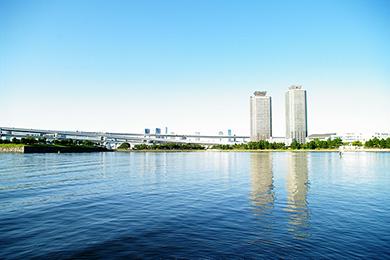 東京湾に面するお台場を象徴する公園